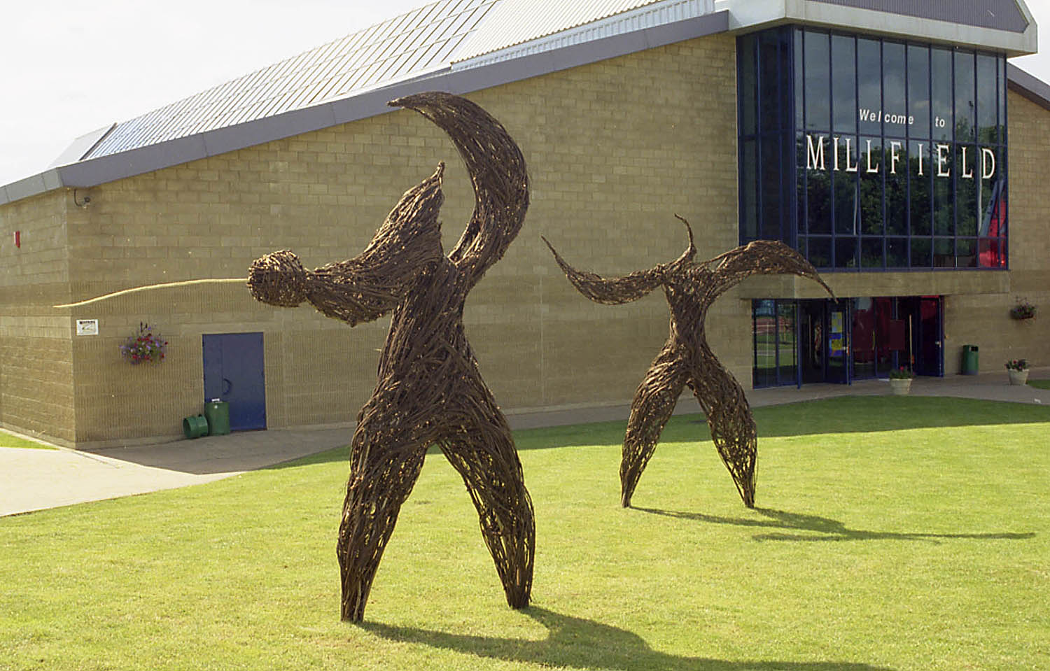 Willow sculptures at Millfield